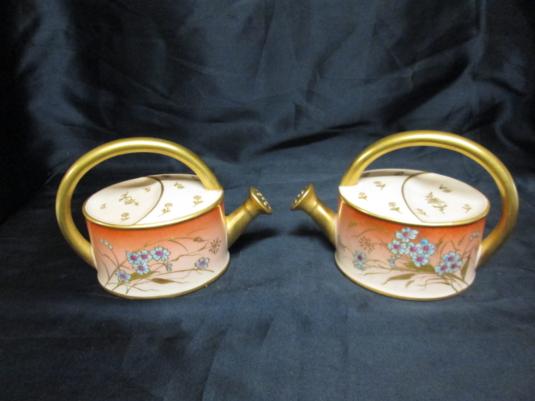 Limoges paire d'arrosoirs porcelaine