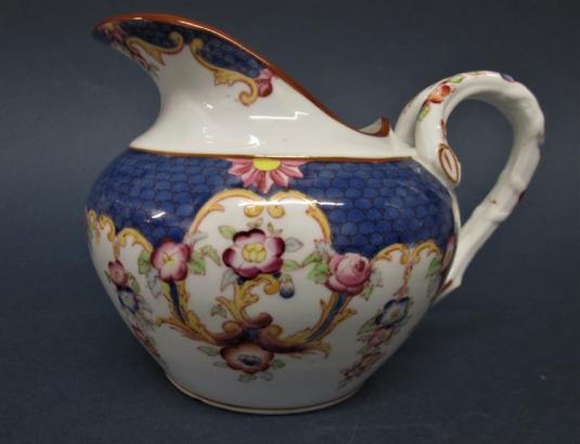 Sarreguemines porcelaine pot à lait décor n° 146