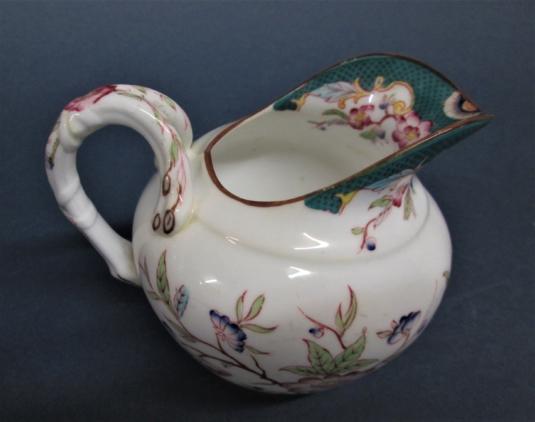 Sarreguemines porcelaine pot à lait décor n° 215
